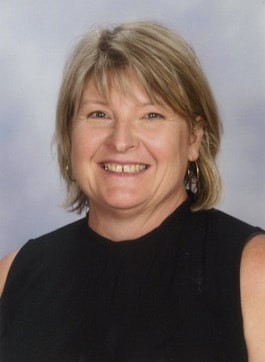 Principal Mrs Tonia Reynolds portrait photo